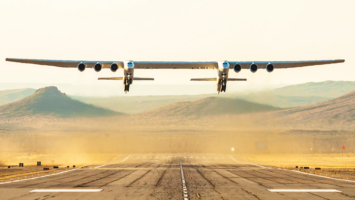 Stratolaunch décollant de la base aérienne de Mojave en Californie
